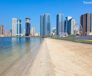 pláž ve městě Sharjah