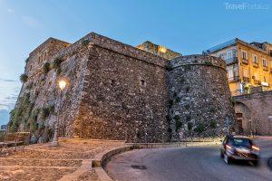 Castello Murat ve městě Pizzo
