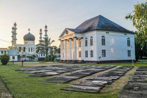 synagoga Neveh Shalom a mešita Kaizerstraat v Paramaribu