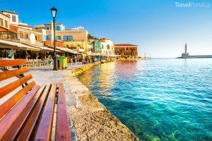 město Chania s malebným přístavem si žádá minimálně půldenní návštěvu