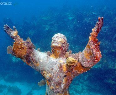 Christ of the Abyss (Ježíš v propasti)