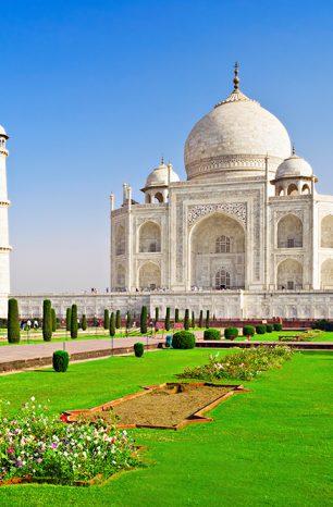 Mauzoleum Tádž Mahal v Indii zavádí návštěvnickou restrikci