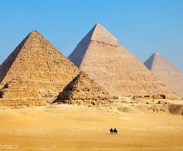 otravní prodejci suvenýrů už nebudou pobíhat kolem pyramid