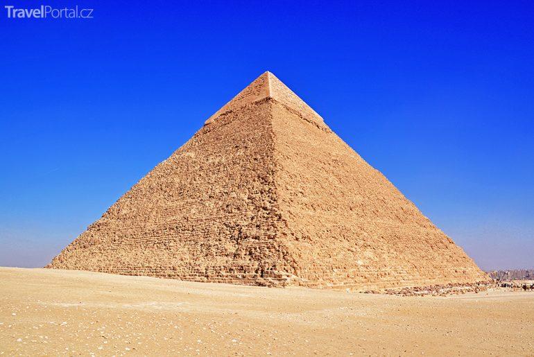 Ukrývá se pod Velkou pyramidou v Gíze Cheopsův hrob?