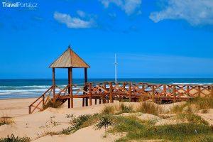 pláž Cortadura ve městě Cádiz