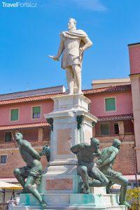 památník Čtyř Maurů ve městě Livorno