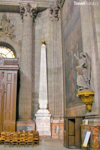 obelisk v kostele Saint-Sulpice aneb Tajuplná místa Paříže