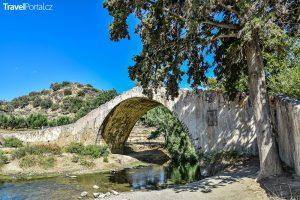 kamenný most v Preveli