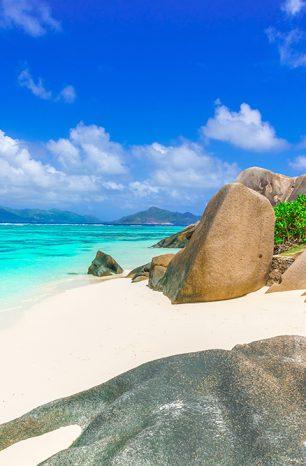 Nejlepší pláže světa podle expertů? Anse Source d'Argent i Navagio