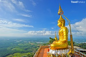 Buddha na vrcholu Wat Tham Seua