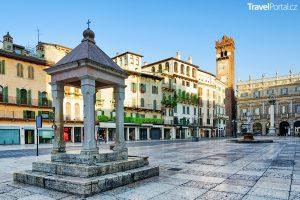 Piazza delle Erbe v italském městě Verona