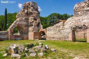 římské lázně ve městě Varna