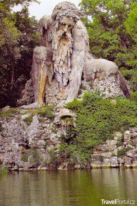Apeninský kolos v parku Pratolino