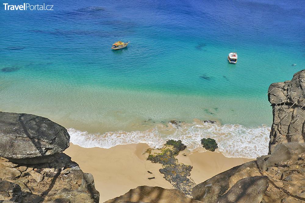 Baia do Sancho na ostrově Fernando de Noronha