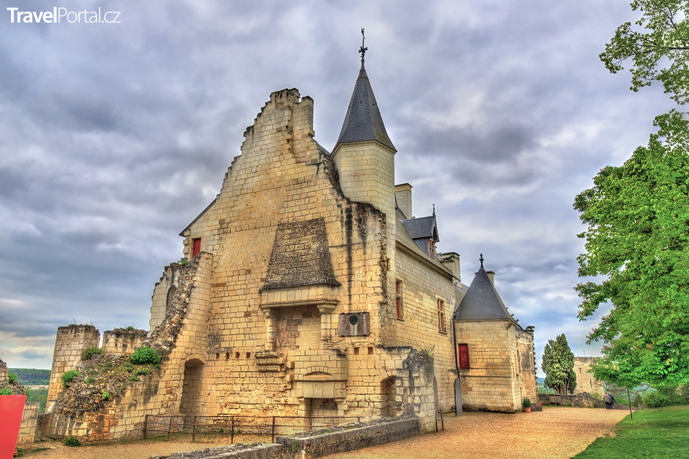 hrad Chinon ve Francii