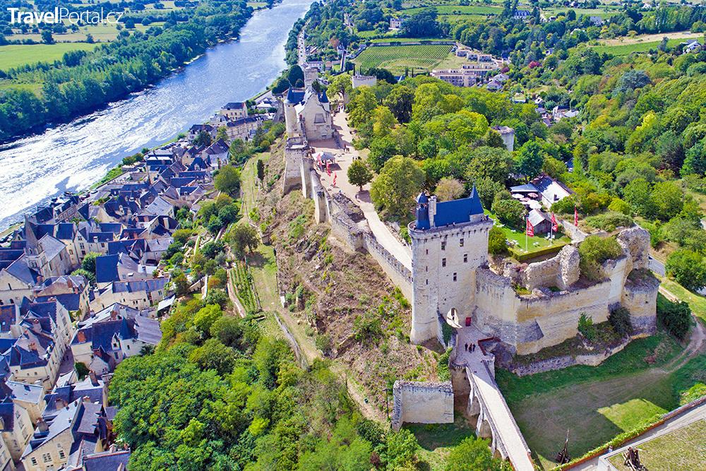hrad Chinon z výšky