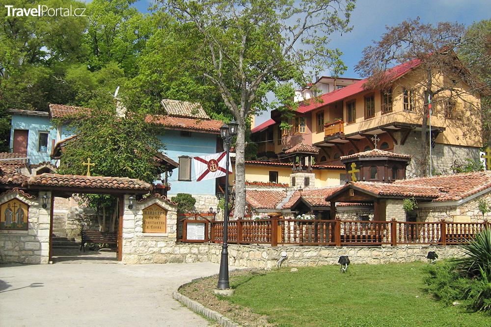 klášter v městečku Sv. Konstantin a Helena