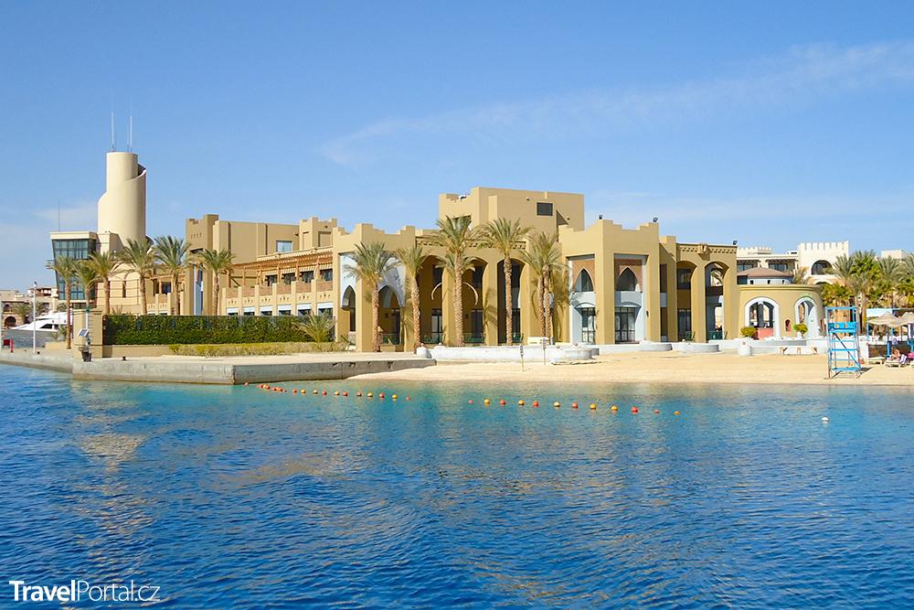 městečko Port Ghalib v Egyptě