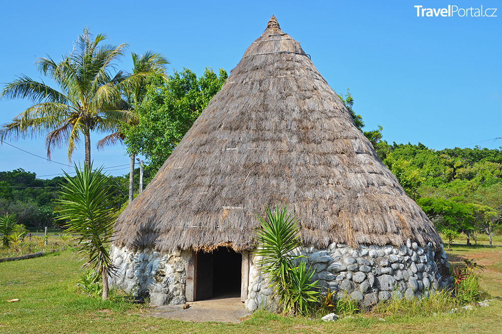 tradiční obydlí Kanaků