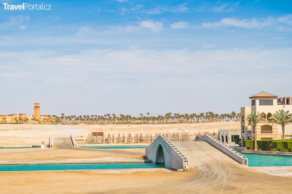 umělá zátoka v letovisku Port Ghalib