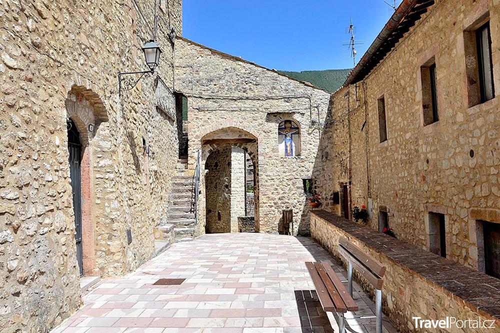 starobylé město Vallo di Nera