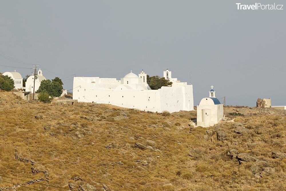 klášter Taxiarchon na ostrově Serifos