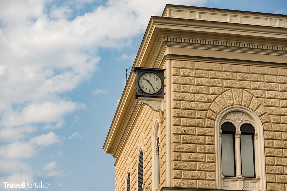 slavné hodiny na hlavním nádraží