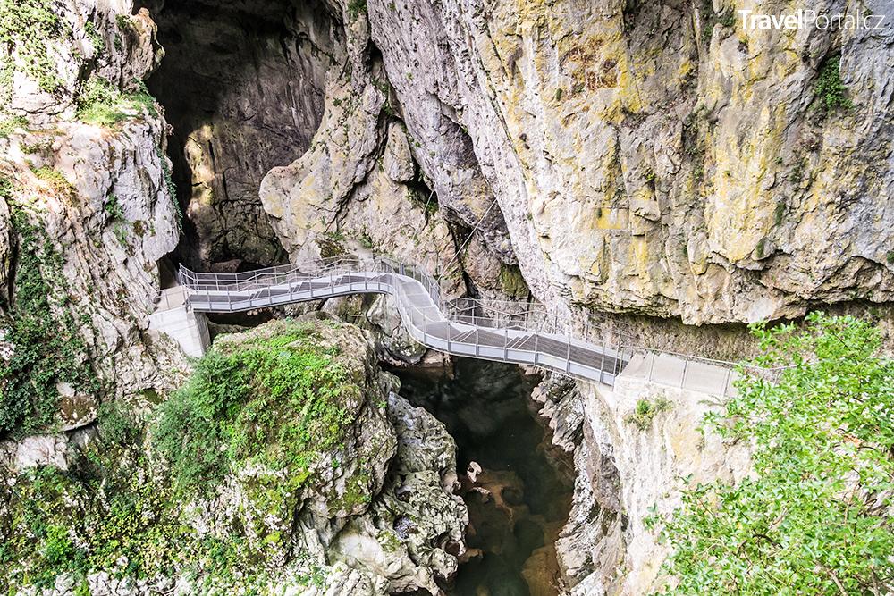 Škocjan Caves ve Slovinsku