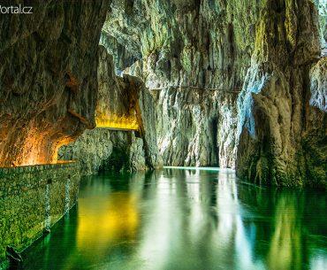 Škocjanské jeskyně ve Slovinsku