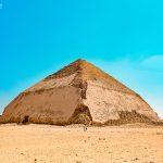 Lomená pyramida v egyptském Dahšúru