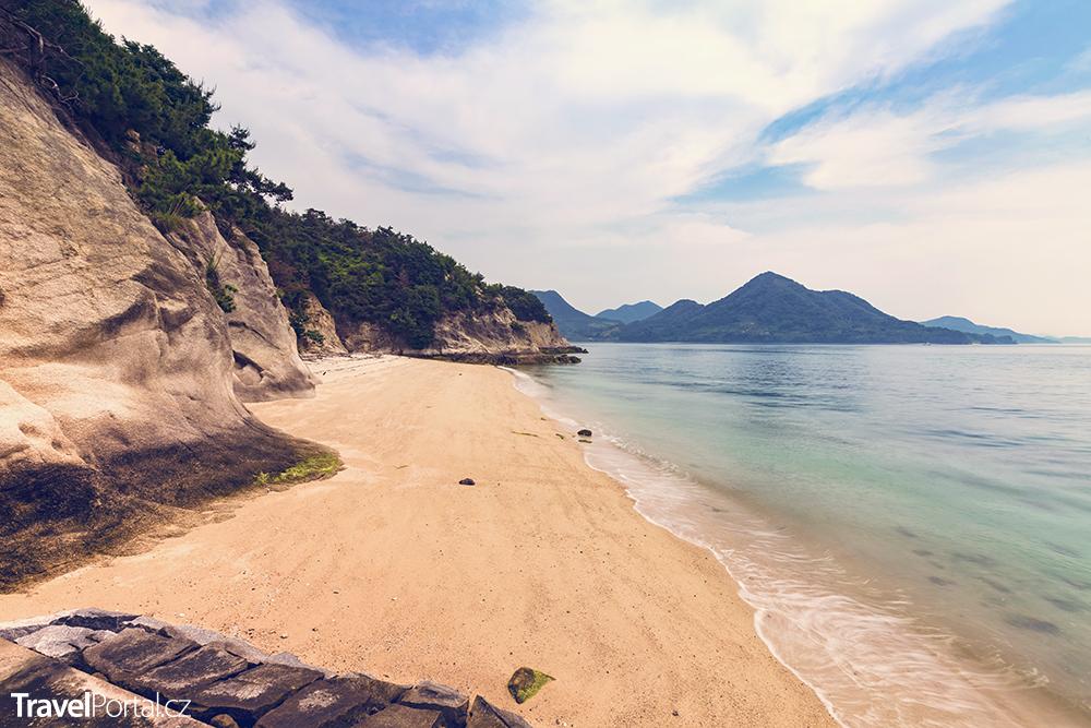 pláž na ostrově Okunoshima