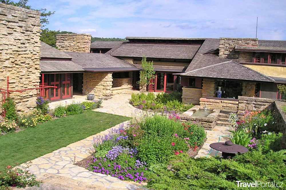 Frank Lloyd Wright - Taliesin East