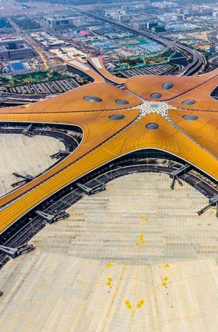 Beijing Daxing: V čínském Pekingu otevřeli největší letiště na světě