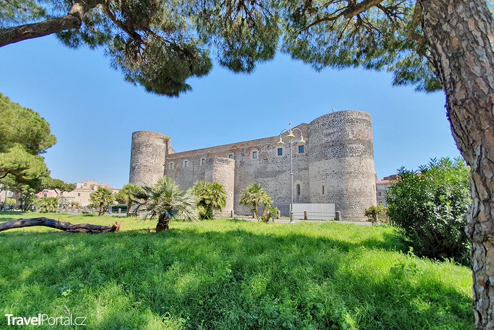 Castello Ursino neboli Castello Svevo