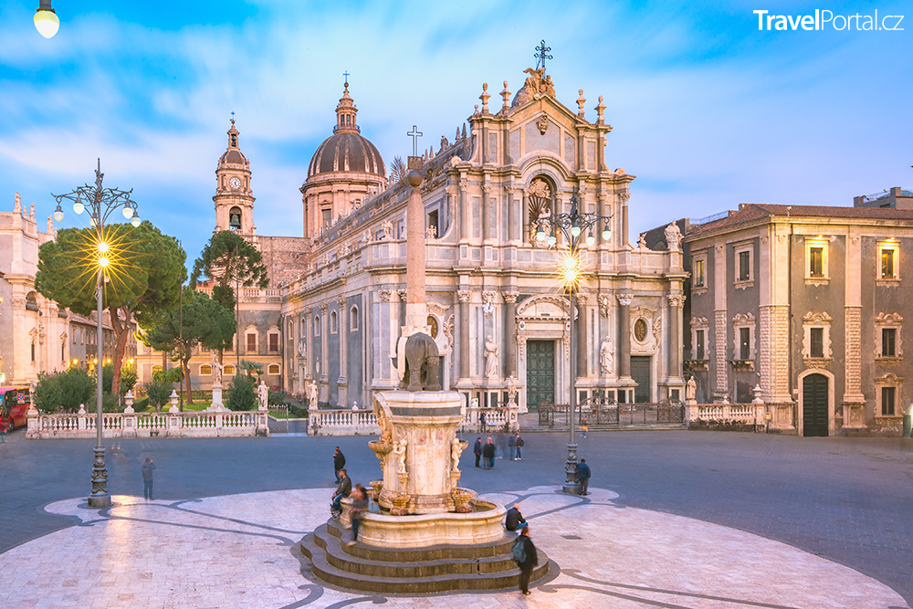 Piazza Duomo s katedrálou sv. Agáty