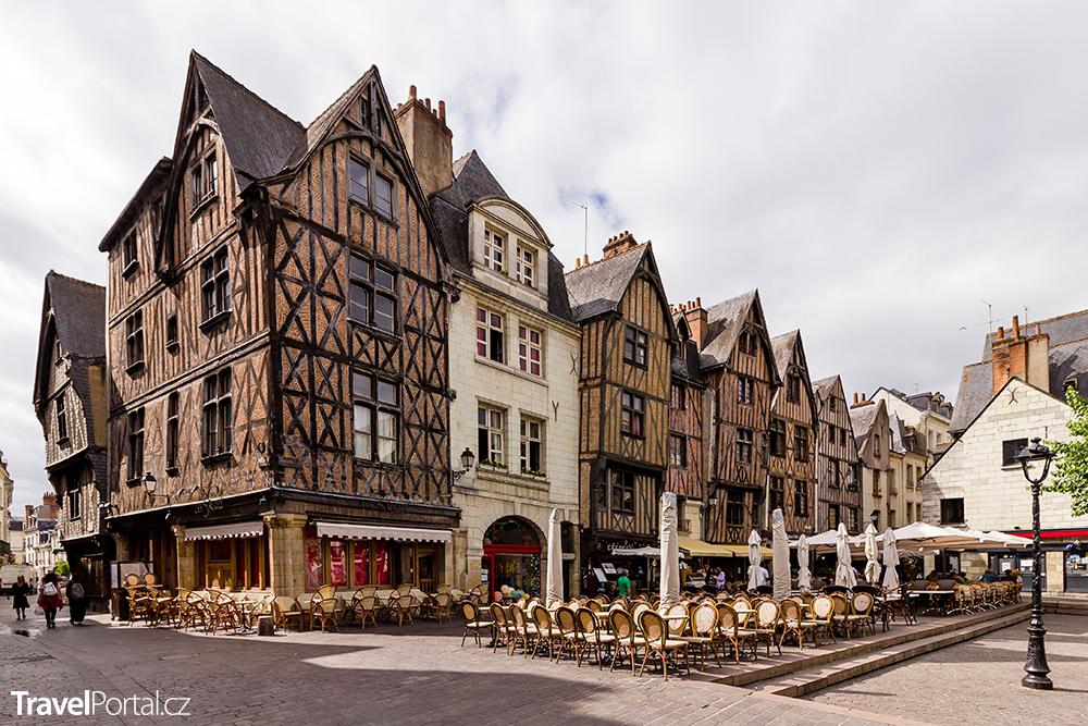 Place Plumereau ve městě Tours