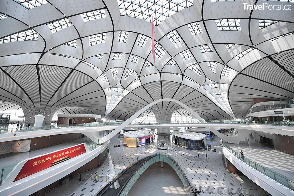 interiér letiště Beijing Daxing