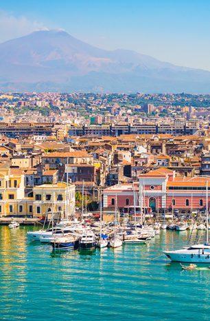 Catania: Sicilské město vděčí za svoji podobu sopce Etně