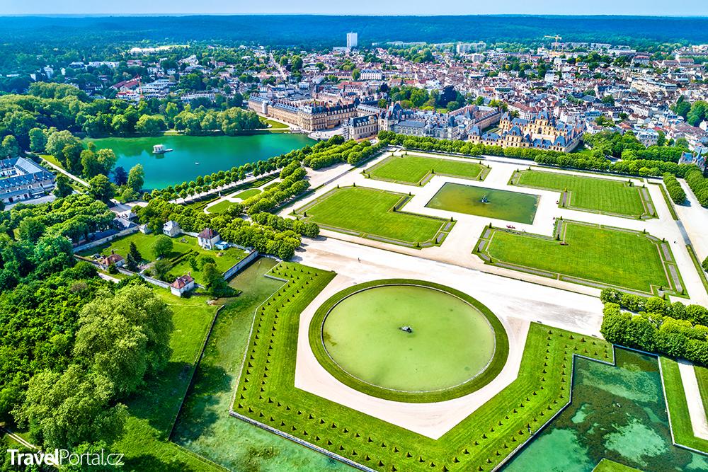 letecký pohled na Fontainebleau