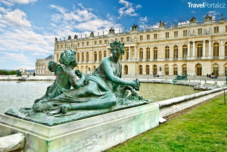součástí zámku ve Versailles se od jara 2020 stane luxusní hotel