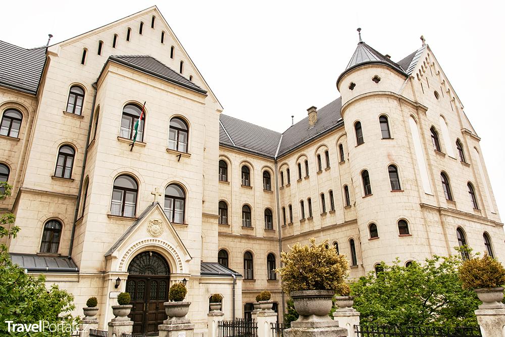 teologická fakulta ve městě Győr