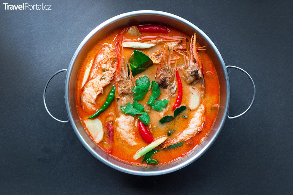 thajská polévka Tom Yum Goong neboli Tom Yum Kung
