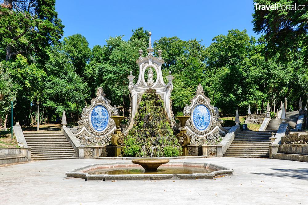 Parque de Santa Cruz ve městě Coimbra