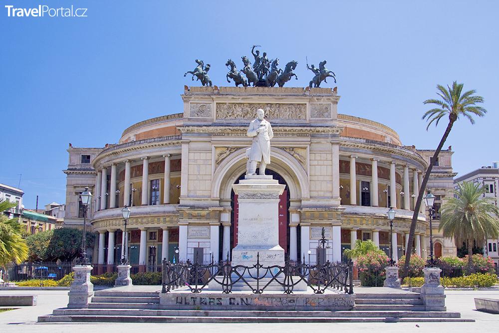Teatro Politeama ve městě Palermo