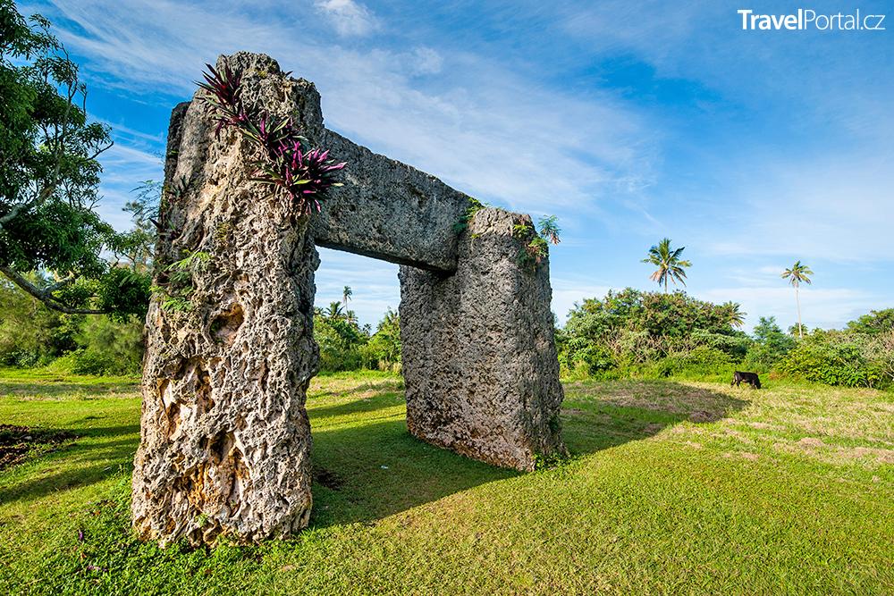 Haʻamonga ʻa Maui neboli Burden of Maui