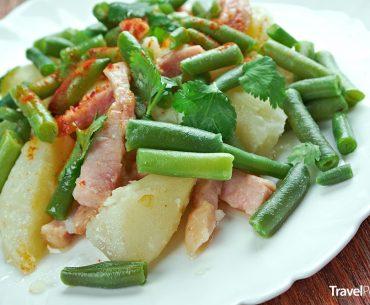 Lutyšský salát neboli salade liégeoise