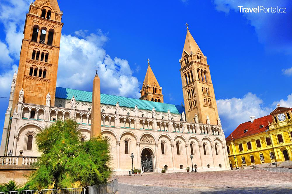 bazilika sv. Petra a sv. Pavla ve městě Pécs