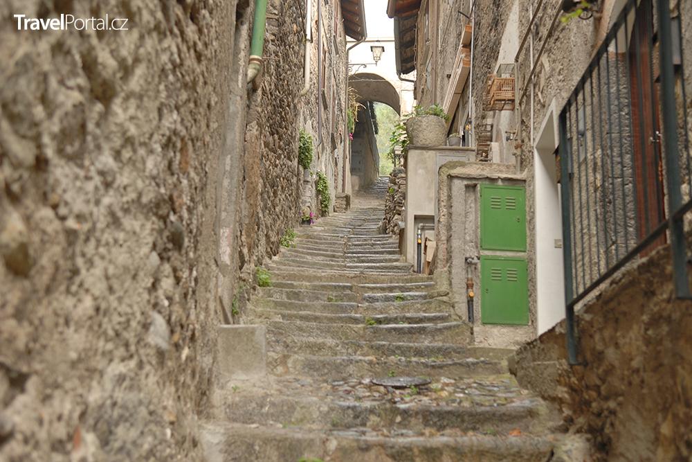 italská vesnička Corenno Plinio