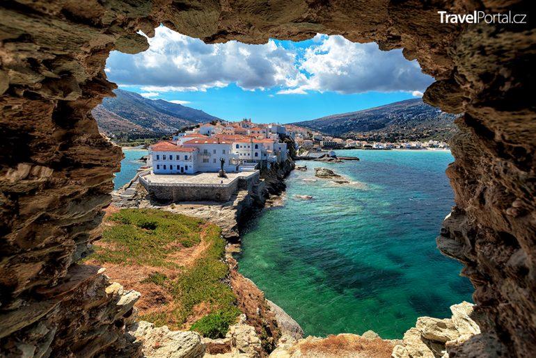 město Chora na ostrově Andros