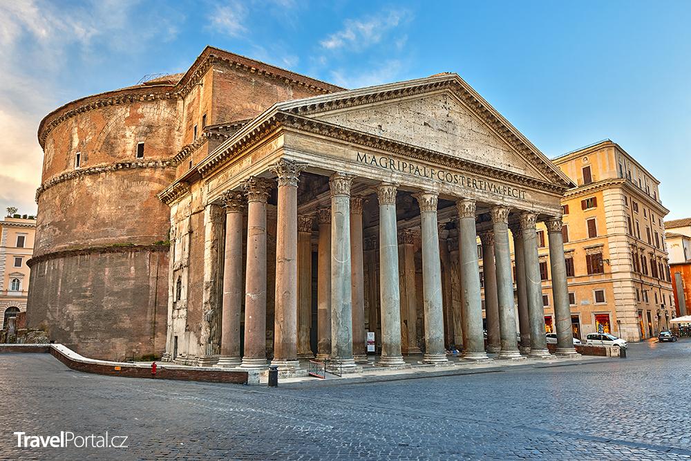 stánky ze suvenýry zmizely z blízkosti Pantheonu